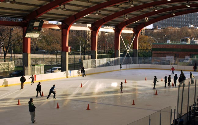 The open-air ice rink at Riverbank State Park.